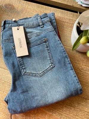 Blakely Pants Medium Blue logo