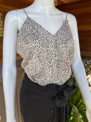 Top Shaza Creme Dots logo