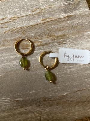 Oorbellen ringen groene steen logo