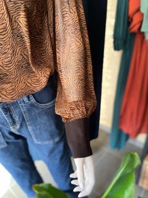 Naomi Shirt Camel/black Pri