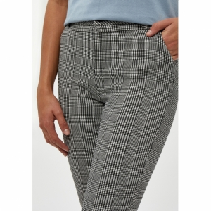 New Carma Check 7-8 Pants logo